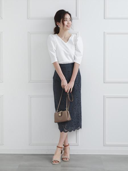 clearのレースタイトスカートを使ったコーディネートを紹介します。 Rakuten Fashion(楽天ファッション/旧楽天ブランドアベニュー)1038221