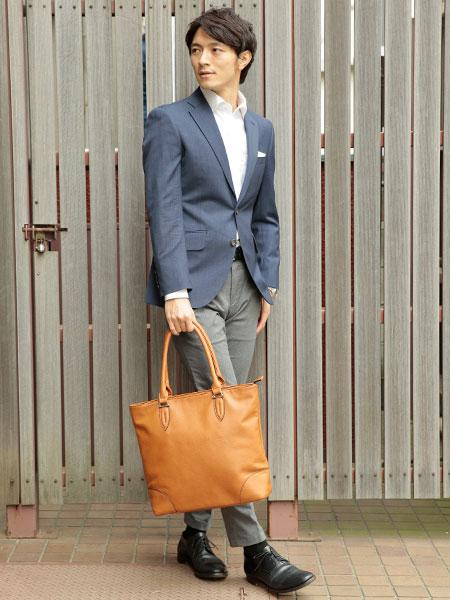 UN BILLIONの(M)オティアス Otias / アンティークレザータイプ合成皮革トートバッグを使ったコーディネートを紹介します。|Rakuten Fashion(楽天ファッション/旧楽天ブランドアベニュー)1038485