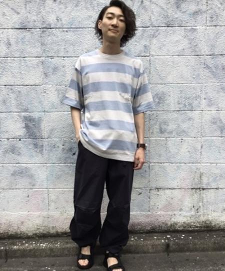 SHIPSのSHIPS any :リラックス フィット ワイドボーダー Tシャツを使ったコーディネートを紹介します。|Rakuten Fashion(楽天ファッション/旧楽天ブランドアベニュー)1039789