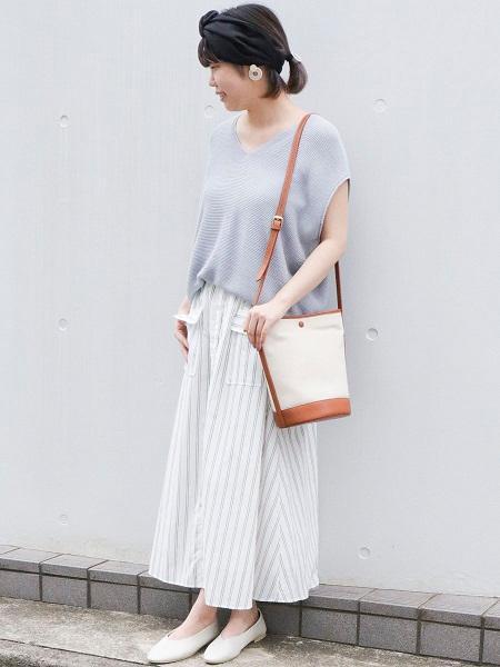 COMME CA ISMの【一部店舗限定】ホールガーメント ニットプルオーバーを使ったコーディネートを紹介します。 Rakuten Fashion(楽天ファッション/旧楽天ブランドアベニュー)1040173