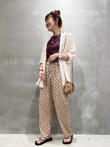 LAKOLEの(W)ワイドリブスリーブレスTを使ったコーディネートを紹介します。 Rakuten Fashion(楽天ファッション/旧楽天ブランドアベニュー)1040407