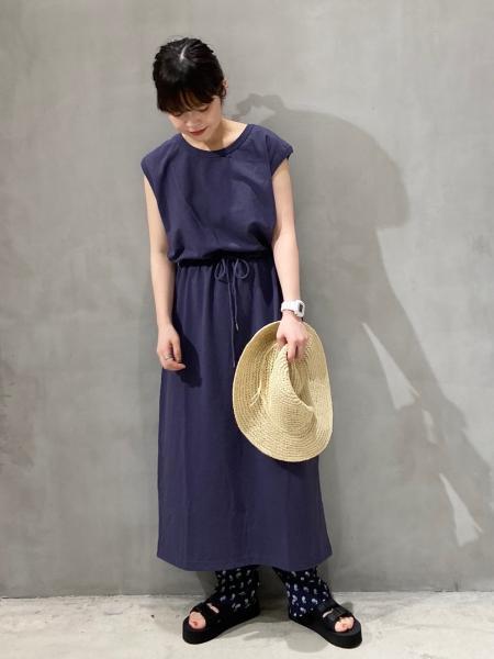 LAKOLEのコーディネートを紹介します。|Rakuten Fashion(楽天ファッション/旧楽天ブランドアベニュー)1040417