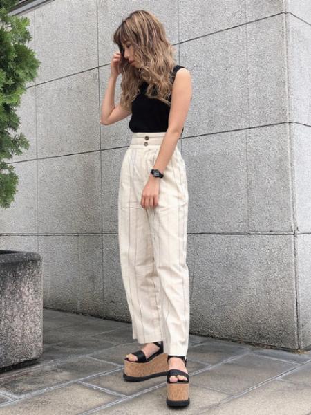 FREE'S MARTの◆総針クルーネックノースリ―ブニットを使ったコーディネートを紹介します。|Rakuten Fashion(楽天ファッション/旧楽天ブランドアベニュー)1040658