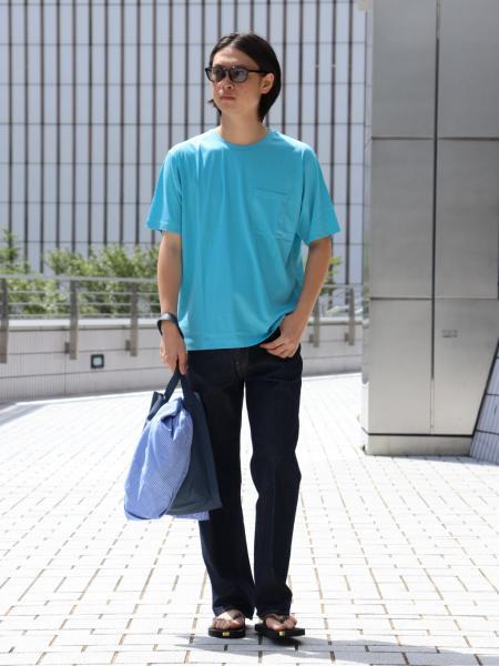 EDIFICEのFUNCTIONAL スムース コットン クルーネックTシャツを使ったコーディネートを紹介します。|Rakuten Fashion(楽天ファッション/旧楽天ブランドアベニュー)1041987