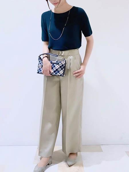 NEWYORKERのギマコットンブークレー 半袖ニットプルオーバーを使ったコーディネートを紹介します。|Rakuten Fashion(楽天ファッション/旧楽天ブランドアベニュー)1042628