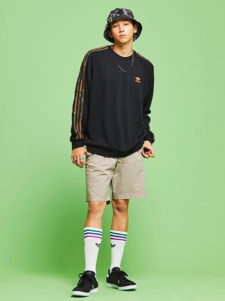 adidasのカモ クルーネック [CAMO CREWNECK] アディダスオリジナルスを使ったコーディネートを紹介します。|Rakuten Fashion(楽天ファッション/旧楽天ブランドアベニュー)1042910