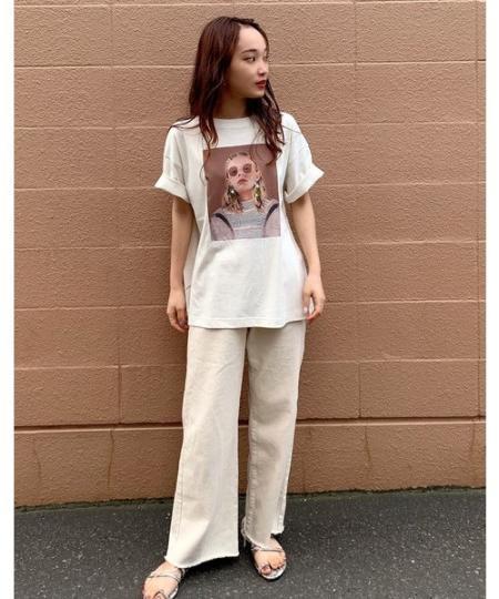 FREE'S MARTの◆《Sシリーズ対応商品》ベルト付きタックワイドデニムパを使ったコーディネートを紹介します。|Rakuten Fashion(楽天ファッション/旧楽天ブランドアベニュー)1042998