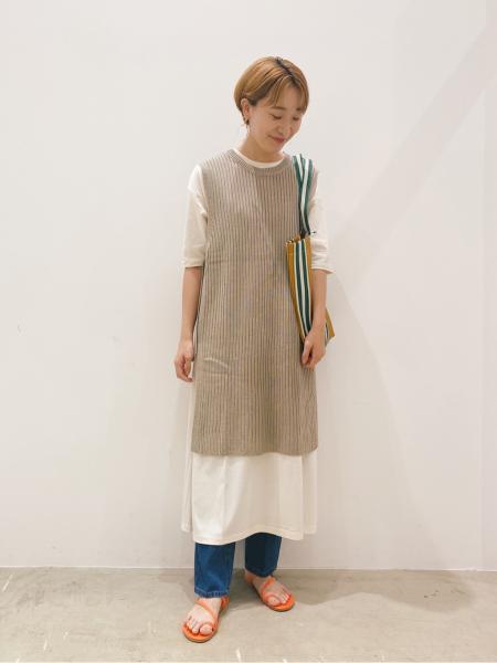 LAKOLEの(W)7GリネンタッチAC Lベストを使ったコーディネートを紹介します。|Rakuten Fashion(楽天ファッション/旧楽天ブランドアベニュー)1044531