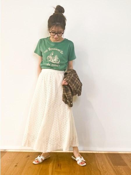 BAYFLOWの(W)アソートVTロゴTを使ったコーディネートを紹介します。|Rakuten Fashion(楽天ファッション/旧楽天ブランドアベニュー)1044643