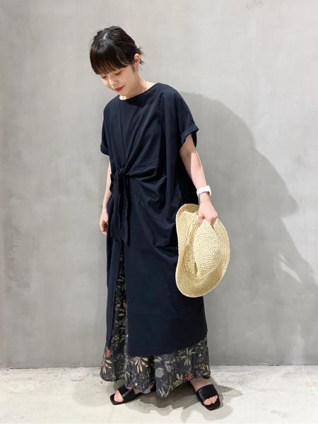 LAKOLEの(W)セパレートフラットサンダルを使ったコーディネートを紹介します。 Rakuten Fashion(楽天ファッション/旧楽天ブランドアベニュー)1044714