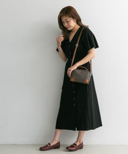 RODE SKOのSTINA モノグラムショルダーバッグを使ったコーディネートを紹介します。|Rakuten Fashion(楽天ファッション/旧楽天ブランドアベニュー)1045269