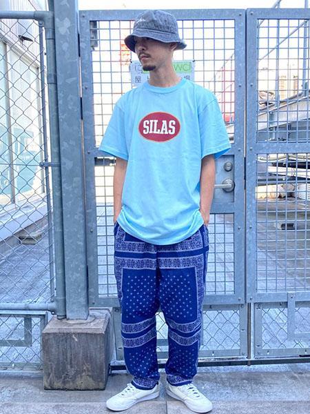 SILASのBANDANA PRINT PANTSを使ったコーディネートを紹介します。|Rakuten Fashion(楽天ファッション/旧楽天ブランドアベニュー)1045484