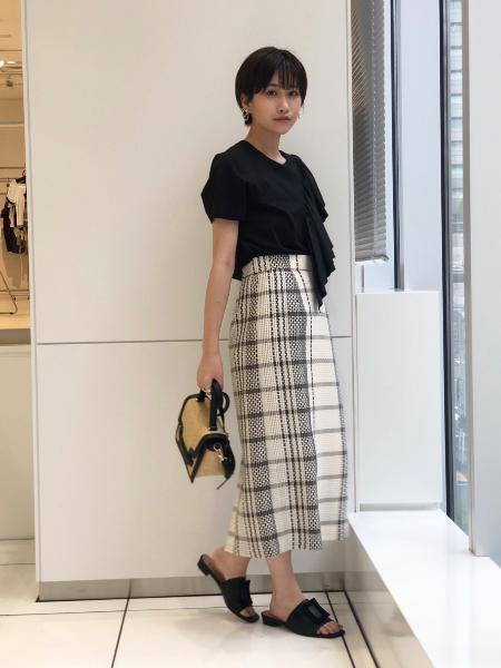 CAST:のフリルディティール カットソーを使ったコーディネートを紹介します。|Rakuten Fashion(楽天ファッション/旧楽天ブランドアベニュー)1045909