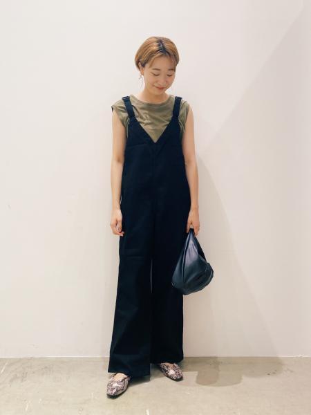 LAKOLEの(W)Vカットギャザーパンプスを使ったコーディネートを紹介します。|Rakuten Fashion(楽天ファッション/旧楽天ブランドアベニュー)1046434