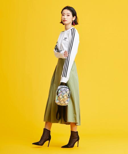 adidasの3 STRIPES LS TEEを使ったコーディネートを紹介します。|Rakuten Fashion(楽天ファッション/旧楽天ブランドアベニュー)1046658