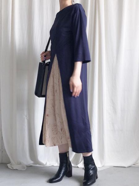 Bou Jeloudのプリーツセンタースリットワンピースを使ったコーディネートを紹介します。|Rakuten Fashion(楽天ファッション/旧楽天ブランドアベニュー)1047313