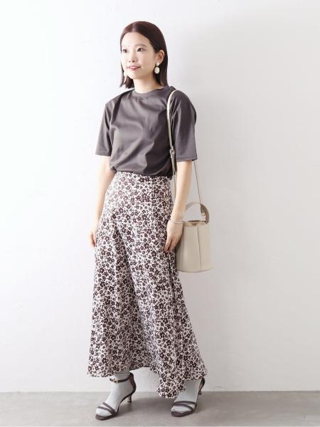 La Totaliteのスムースハイネックプルオーバー◆を使ったコーディネートを紹介します。|Rakuten Fashion(楽天ファッション/旧楽天ブランドアベニュー)1047631