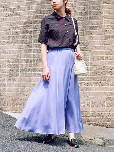 The Virgniaのフィブリルサテンフレアスカートを使ったコーディネートを紹介します。|Rakuten Fashion(楽天ファッション/旧楽天ブランドアベニュー)1048802