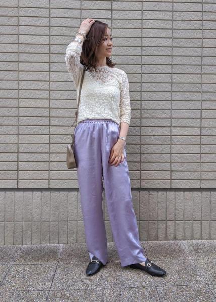 ROPE'のヴィンテージサテンイージーパンツを使ったコーディネートを紹介します。|Rakuten Fashion(楽天ファッション/旧楽天ブランドアベニュー)1048934