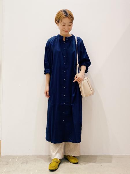 LAKOLEの(W)ソフトサテンギャザーDRSを使ったコーディネートを紹介します。|Rakuten Fashion(楽天ファッション/旧楽天ブランドアベニュー)1049668