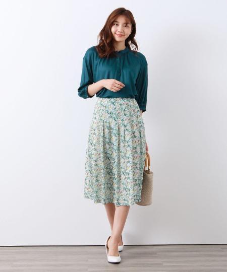 AMACAの【リバティ】Heidi Meadowスカートを使ったコーディネートを紹介します。|Rakuten Fashion(楽天ファッション/旧楽天ブランドアベニュー)1049895