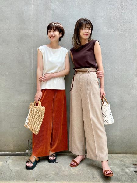 CAST:のシャイニー プリーツパンツを使ったコーディネートを紹介します。|Rakuten Fashion(楽天ファッション/旧楽天ブランドアベニュー)1049925