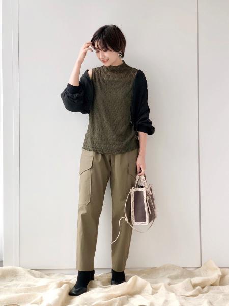 CAST:のバーティカルコンビミニトートバッグを使ったコーディネートを紹介します。 Rakuten Fashion(楽天ファッション/旧楽天ブランドアベニュー)1051011
