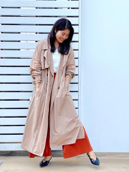 CAST:のシャイニー プリーツパンツを使ったコーディネートを紹介します。|Rakuten Fashion(楽天ファッション/旧楽天ブランドアベニュー)1051021