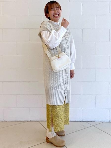 SHIPSのSHIPS any: パフスリーブ ロング シャツを使ったコーディネートを紹介します。|Rakuten Fashion(楽天ファッション/旧楽天ブランドアベニュー)1051110