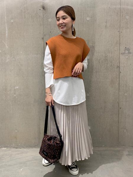 JOURNAL STANDARDのスウェーディサテンプリーツスカート◆を使ったコーディネートを紹介します。 Rakuten Fashion(楽天ファッション/旧楽天ブランドアベニュー)1051520