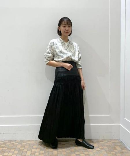 BEAMS WOMENのRay BEAMS / K10 フープピアス Mを使ったコーディネートを紹介します。|Rakuten Fashion(楽天ファッション/旧楽天ブランドアベニュー)1051698
