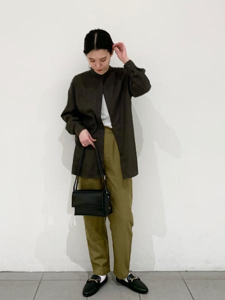 LAKOLEの(W)ロールフラップショルダーバッグを使ったコーディネートを紹介します。|Rakuten Fashion(楽天ファッション/旧楽天ブランドアベニュー)1051771