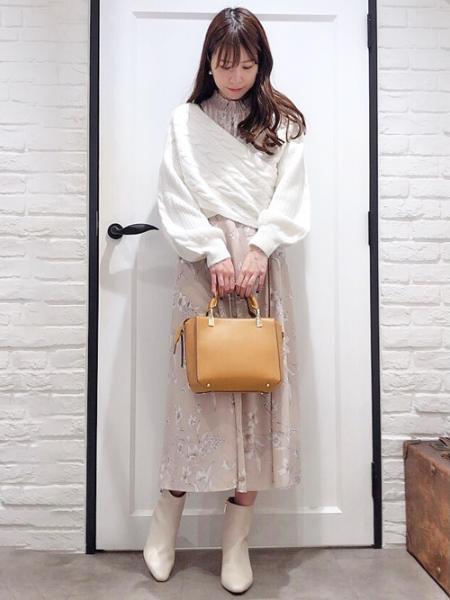 Noelaのクロスケーブルプルオーバーを使ったコーディネートを紹介します。|Rakuten Fashion(楽天ファッション/旧楽天ブランドアベニュー)1052367