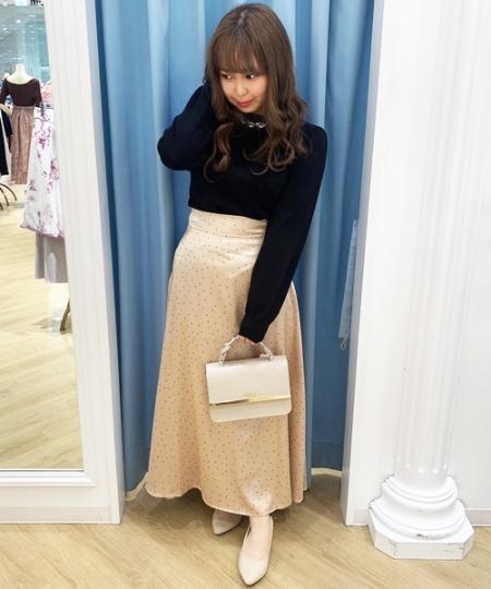 MISCH MASCHのハイネックジュエル刺しゅうニットを使ったコーディネートを紹介します。 Rakuten Fashion(楽天ファッション/旧楽天ブランドアベニュー)1053182