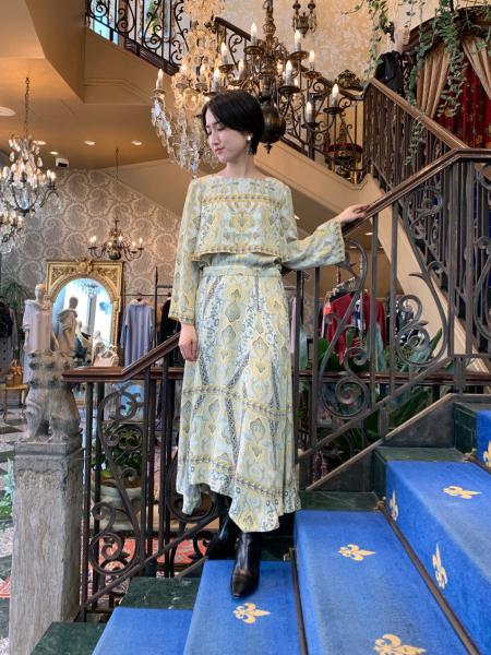 GRACE CONTINENTALのオリエントパッチワークトップを使ったコーディネートを紹介します。|Rakuten Fashion(楽天ファッション/旧楽天ブランドアベニュー)1053361
