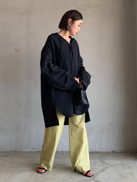 FROM FIRST MUSEEのギャザースリーブチュニックを使ったコーディネートを紹介します。|Rakuten Fashion(楽天ファッション/旧楽天ブランドアベニュー)1053449