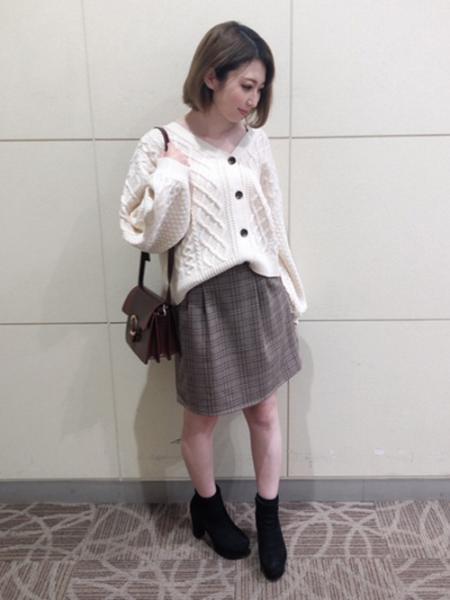 INGNIの3Gケーブルショートカーデを使ったコーディネートを紹介します。|Rakuten Fashion(楽天ファッション/旧楽天ブランドアベニュー)1053551
