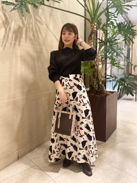 CAST:のボリュームスリーブニットを使ったコーディネートを紹介します。 Rakuten Fashion(楽天ファッション/旧楽天ブランドアベニュー)1053800