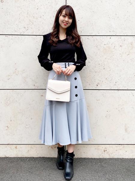 MISCH MASCHのボタン付きマーメイドスカートを使ったコーディネートを紹介します。 Rakuten Fashion(楽天ファッション/旧楽天ブランドアベニュー)1054028