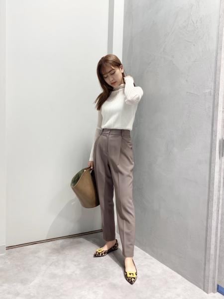 CAST:のワイドリブシアーニットを使ったコーディネートを紹介します。|Rakuten Fashion(楽天ファッション/旧楽天ブランドアベニュー)1054973
