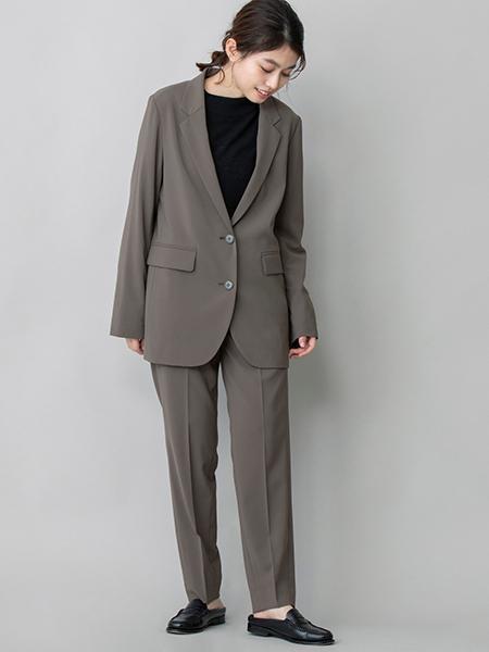 Munichのストレッチポリエステルクロス テーパードパンツを使ったコーディネートを紹介します。|Rakuten Fashion(楽天ファッション/旧楽天ブランドアベニュー)1055020