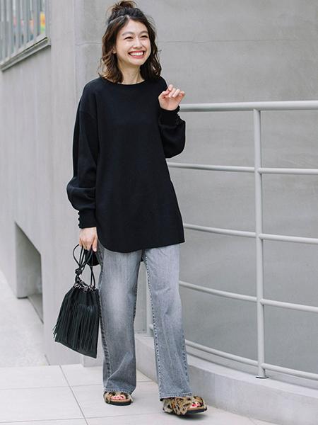 Munichの10イヤーストレッチブラックデニムパンツを使ったコーディネートを紹介します。|Rakuten Fashion(楽天ファッション/旧楽天ブランドアベニュー)1055026