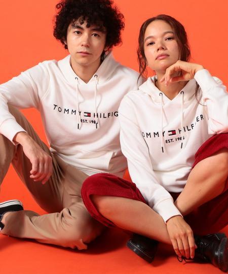 TOMMY HILFIGERのTOMMY HILFIGER(トミーヒルフィガー) ロゴフリースフーディを使ったコーディネートを紹介します。|Rakuten Fashion(楽天ファッション/旧楽天ブランドアベニュー)1055147