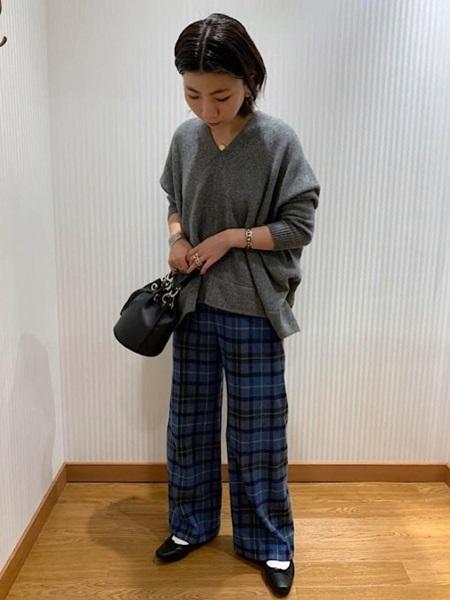 SHIPSのMARCO BIANCHINI:巾着2WAYバッグを使ったコーディネートを紹介します。 Rakuten Fashion(楽天ファッション/旧楽天ブランドアベニュー)1055199