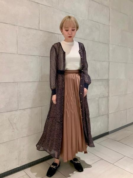 LOVELESSのメタリック グラデプリーツ スカートを使ったコーディネートを紹介します。|Rakuten Fashion(楽天ファッション/旧楽天ブランドアベニュー)1055264