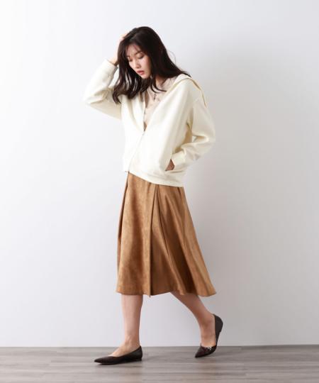AMACAのシルクウールニットプルオーバーを使ったコーディネートを紹介します。 Rakuten Fashion(楽天ファッション/旧楽天ブランドアベニュー)1055403