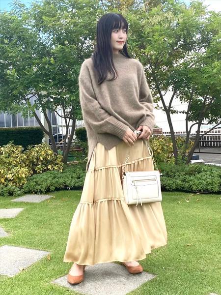 LOWELL Thingsの【定番色】フレームレザーポシェットを使ったコーディネートを紹介します。|Rakuten Fashion(楽天ファッション/旧楽天ブランドアベニュー)1057641