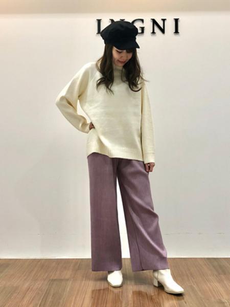 INGNIのスエポンプリーツワイドパンツを使ったコーディネートを紹介します。|Rakuten Fashion(楽天ファッション/旧楽天ブランドアベニュー)1057723