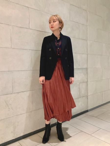 LOVELESSのプリーツ ラップ スカートを使ったコーディネートを紹介します。 Rakuten Fashion(楽天ファッション/旧楽天ブランドアベニュー)1058315