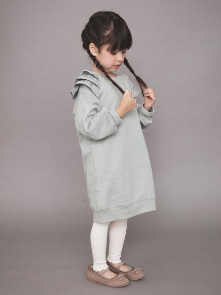 BRANSHESの肩フリル長袖ワンピースを使ったコーディネートを紹介します。|Rakuten Fashion(楽天ファッション/旧楽天ブランドアベニュー)1058442